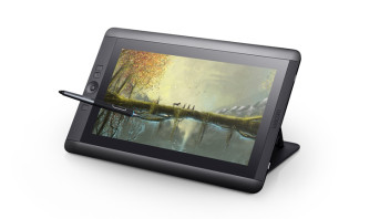 Cintiq_13HD_touch_DTH1300_RightView_PenOnScreen_RGB