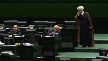 iranian-parliament-smartphone-ap-photo