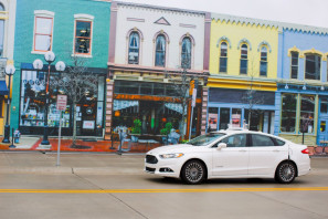 ford-self-driving-mcity-2015-11-13-03[1]