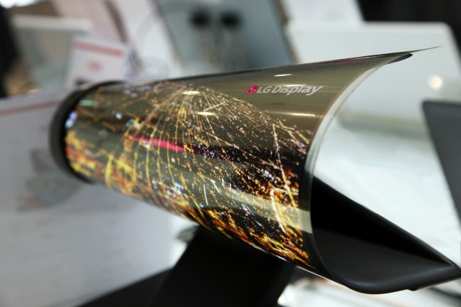 CES+2016_18+inch+Rollable+OLED
