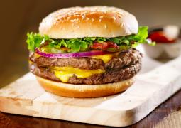 Cheeseburger emojisi Google yönetimini kilitledi