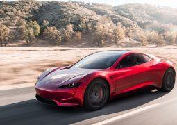Elon Musk Mars'a Tesla Roadster gönderiyor