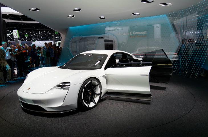 Porsche elektrikli