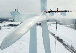 Rüzgar türbini temizliği yapan drone!
