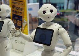 İngilizce konuşan robotlar