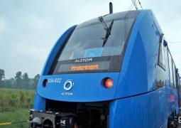 Dünyanın ilk hidrojen treni sefere başladı