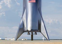 Elon Musk Starship'i tanıttı