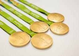 Elektronik atık ile madalya üretildi