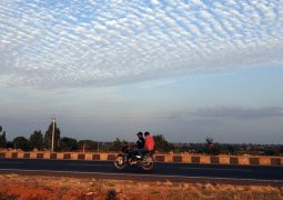 Hindistan elektrikli araçlara yöneliyor
