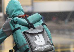 İngilizler Amazon'un Deliveroo'yu yönetmesini yasakladı