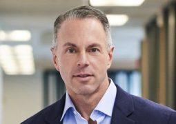 eBay CEO'su istifa etti