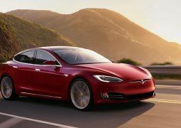 Model S'in menzili 650 km'ye çıkıyor