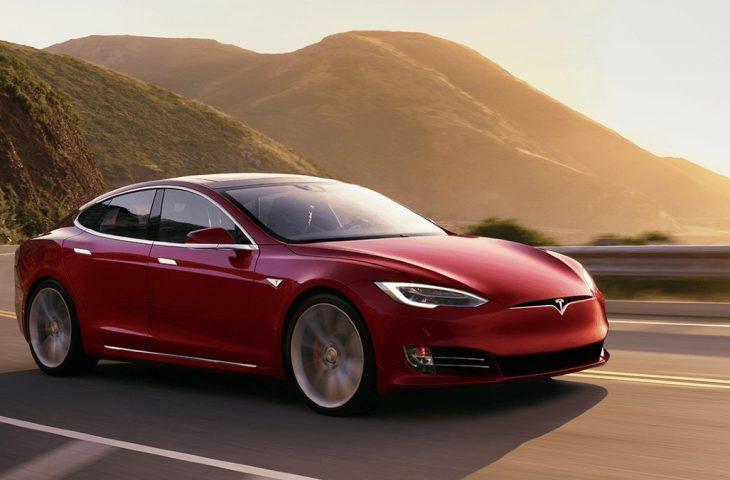 Son 10 yılın en iyi aracı Tesla