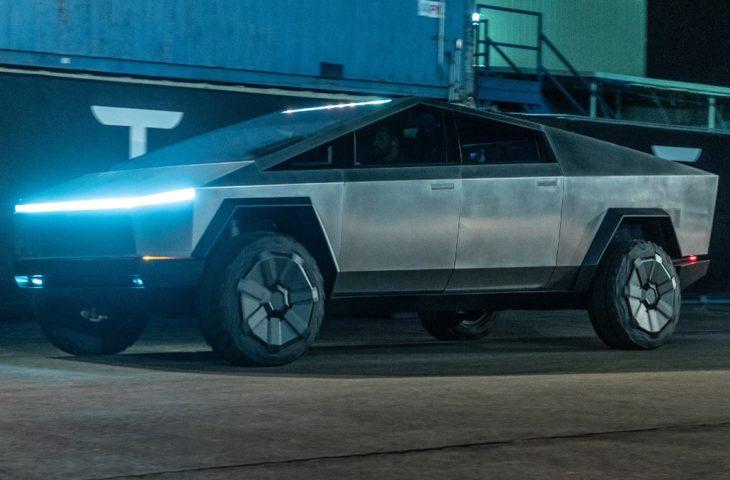 Yeni Tesla Çin'de