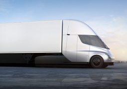 Tesla kamyonları 2021'e sarktı