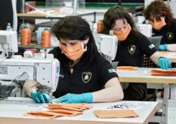 Lamborghini tıbbi ekipman üretimine başladı