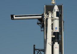 SpaceX uzaya insan göndermek için geri sayıma başladı