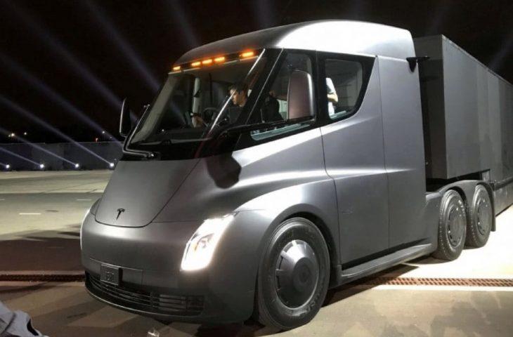 Tesla Semi üretimi