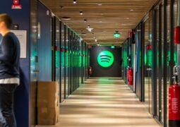 Yıl sonuna kadar Spotify evden çalışacak