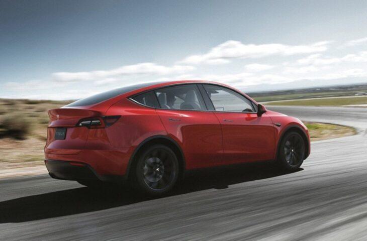 Tesla ek paket
