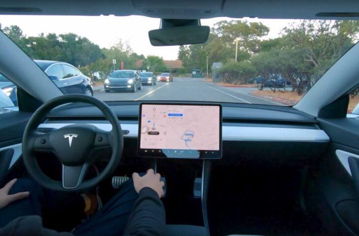 Tesla tam otonom sürüş