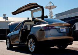 Tesla araçlar üretim hatası