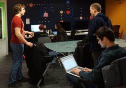 Teknoloji devleri oyun stüdyosu