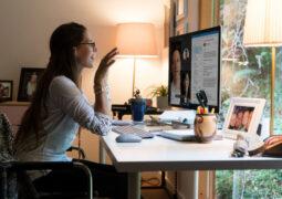 Microsoft ofislere dönüşü Eylül ayına erteledi