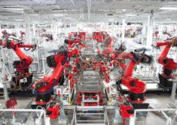 Tesla üretim