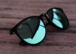 Facebook, akıllı Ray-Ban gözlükleri satacak